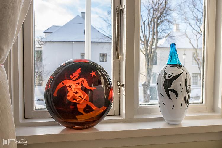 Rolf Sinnemarks konst på sveriges residens i Reykjavik